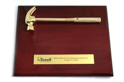 SP305. 14 x 10 WALNUT GOLDEN HAMMER PLAQUE : Awards Atlanta